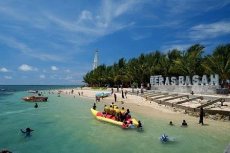 Pulau Beras Basah Tempat Romantis di Daerah Kalimantan Timur