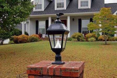 lampu hias halaman depan rumah