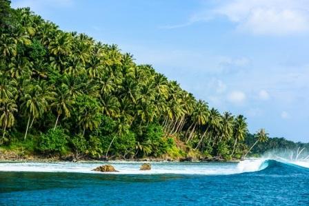 Pulau Mentawai di Sumatera Barat