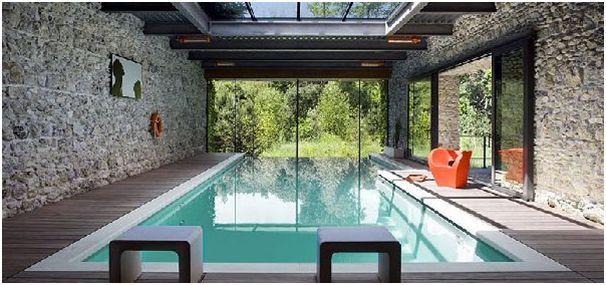 penempatan kolam renang di dalam rumah