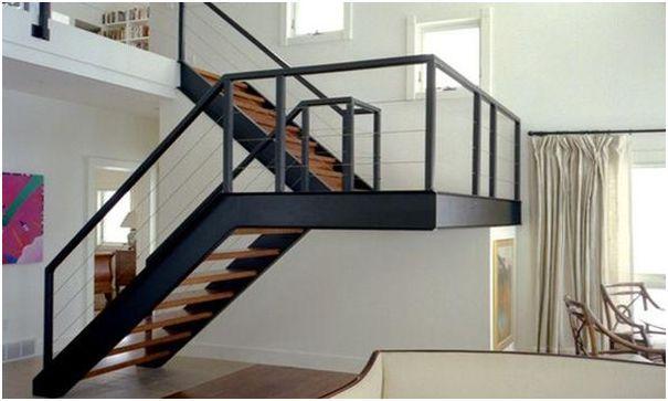 tangga berbalik arah